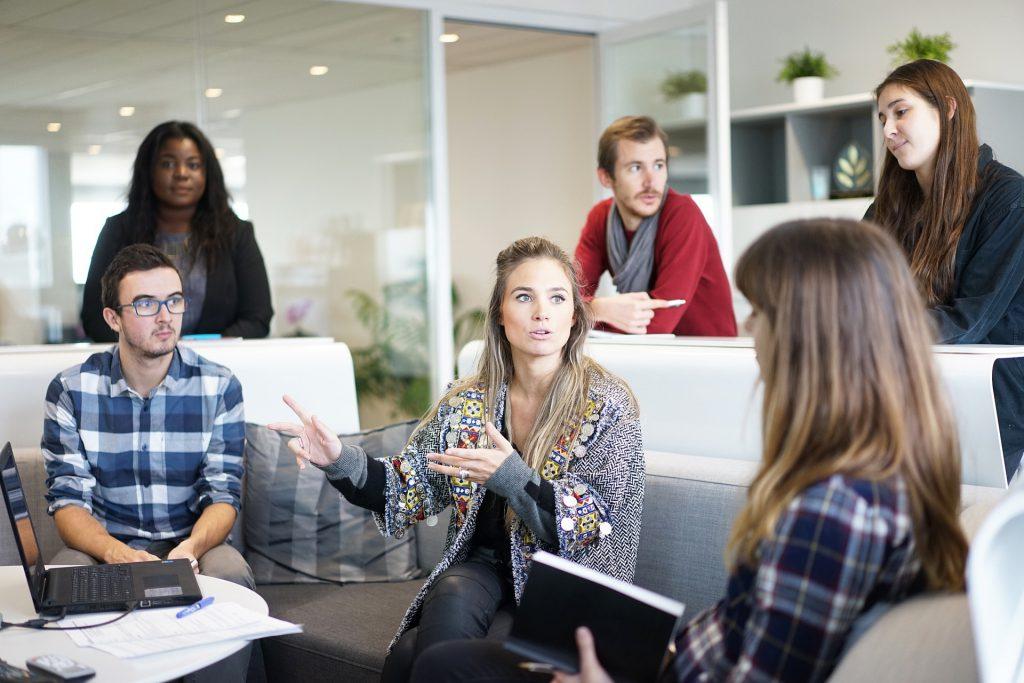Une location de salle de réunion pour plus d'échanges entre collègues