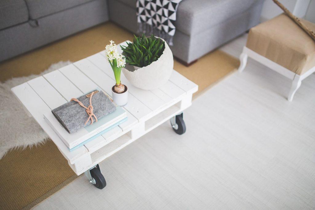 Table basse réalisée à partir d'une cagette